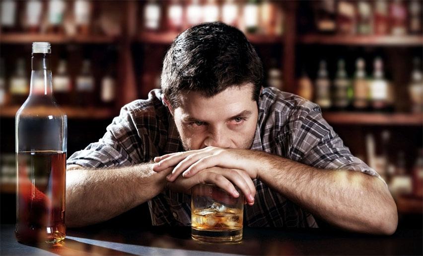 бармен алкоголик